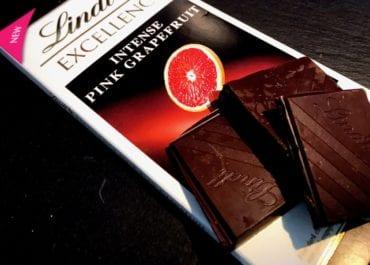 Vårens uppfriskande nyhet i chokladhyllan- Lindt Excellence Pink Grapefruit Intense