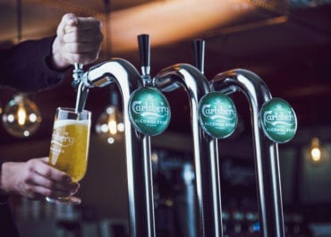 """Carlsberg Sverige sätter upp alkoholfri """"Håll-bar"""" i Almedalen"""