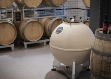 """Ett """"UFO"""" har landat - utomjordiskt vinmakeri på The Winery Hotel"""