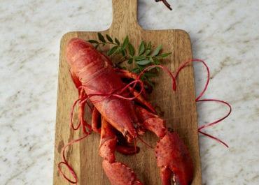 Upplev ett nordiskt julbord med lyxiga inslag av havet på restaurang Lykke