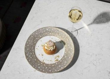 Champagnesemlan åter på menyn i Cadierbaren