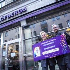 Kaffeälskare genererade 270 000 kronor till Regnbågsfonden