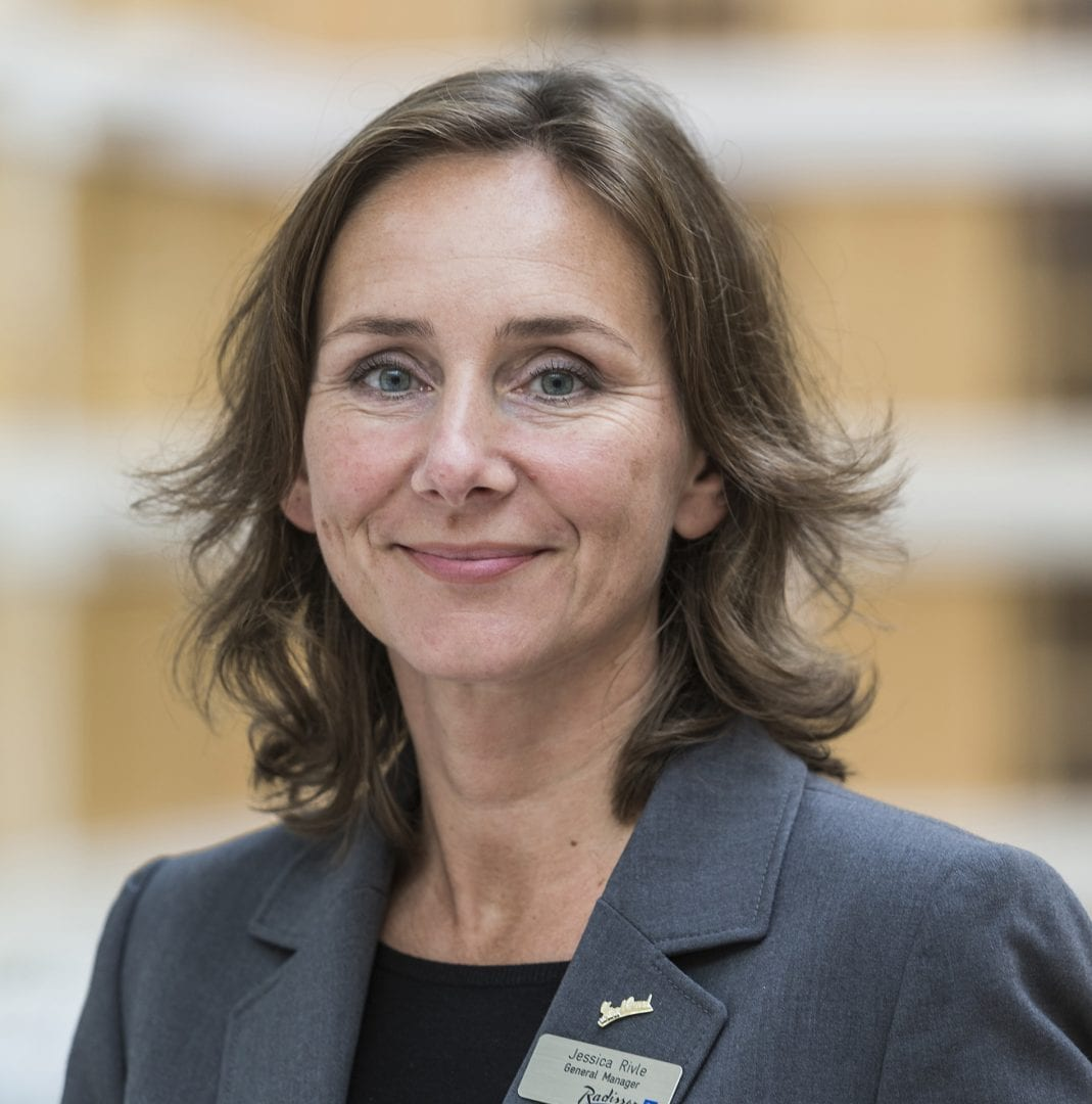 WEBB-TV: Jessica Rivle om Hybrida möten hos Radisson Blu Scandinavia i Göteborg